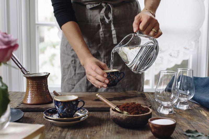 Kahve Fincanı Su Ölçeği Olarak Kullanılır.