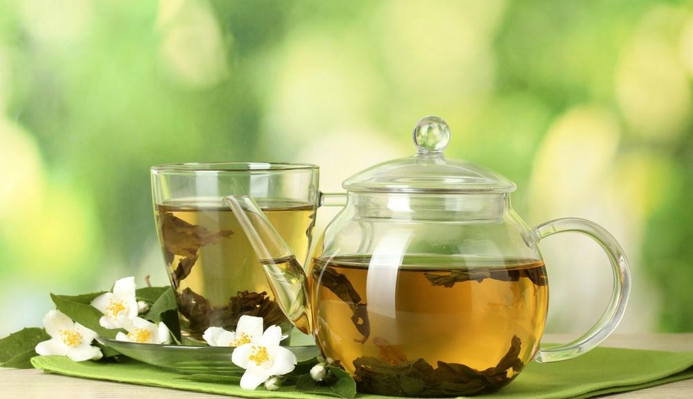 Cam Demlikte Demlenmiş Yeşil Çay