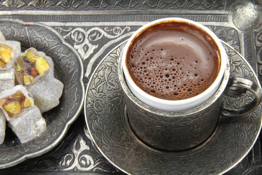 İçime Hazır Türk Kahvesi İsteğe Göre Türk Lokumu İle Servis Edilir.